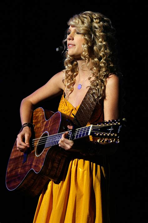taylor swift country music singer taylor swift photos photos 42nd annual academy of