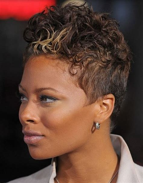hairstyles picture gallery wavy short black women hairdye style with highlights