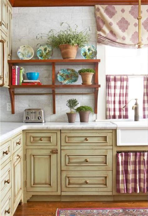 ideas for kitchen cabinets makeover 25 ideas for kitchen cabinet makeovers midwest living