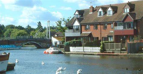 pike fishing boat hire wroxham norfolk broads holiday cottages wroxham self catering