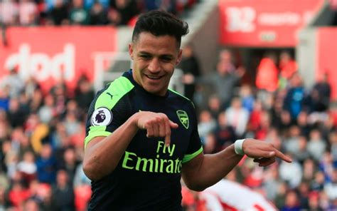 alexis sanchez staying at arsenal did alexis sanchez just indicate