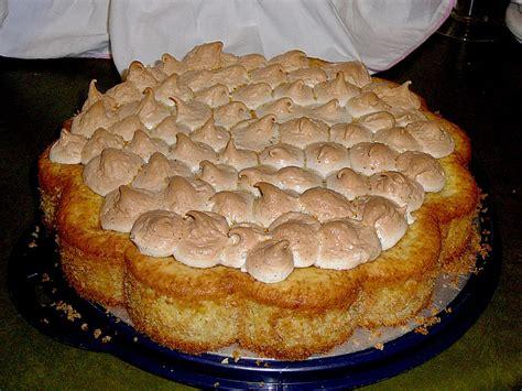 kuchen mit baiser aprikosen birnen kuchen mit baiser rezept mit bild