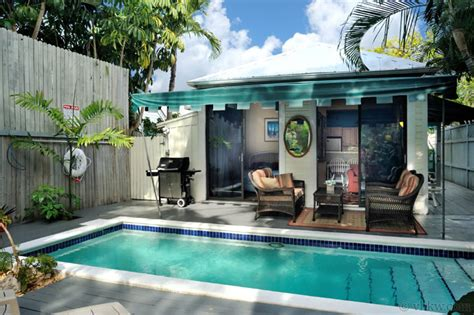 Down Island Digs 2 Bedroom Nightly Vacation Rental Key West Cottage Rentals With Pool