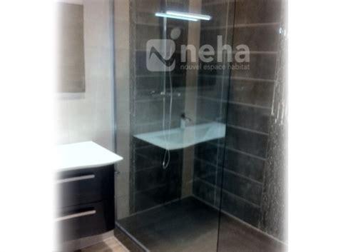 salle de bain blanc et noir black and white patterned floor tiles wood floors salle