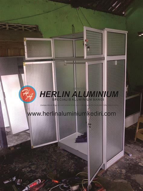 Lemari Es Di Jombang daftar harga lemari pakaian aluminium di herlin aluminium