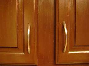 placement of cabinet knobs a can do it