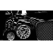 Bentley Mulsanne Headlights 4K Desktop Wallpaper