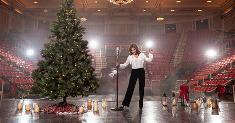 martina mcbride brings christmas cheer  holiday album  sounds  nashville