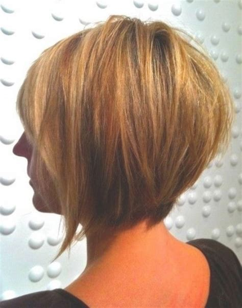 cutting a beveled bob hair style haar frisuren mittellang bis kurz frisur