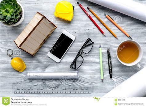 outils de bureau concept de profession avec le bureau d architecte et la
