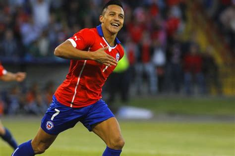 alexis sanchez unstoppable arsenal star alexis sanchez s fine form continues as chile