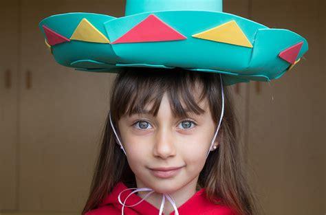como hacer un sombrero de mariachi para nios sombrero mexicano manualidades infantiles