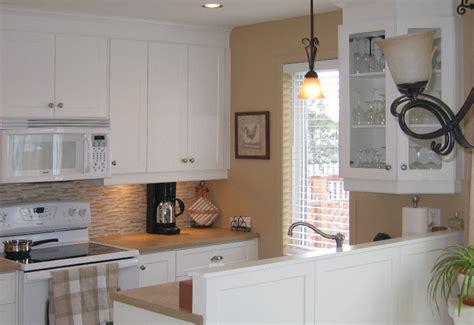 r駭ovation d armoires de cuisine cuisine en thermoplastique mod 232 le shaker blanc armoires