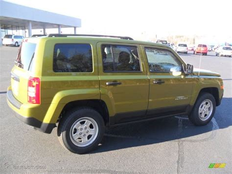 dark green jeep patriot 2012 rescue green metallic jeep patriot sport 4x4