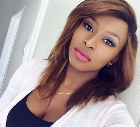 get dj zinhle s green hair dj zinhle pregnant with twins