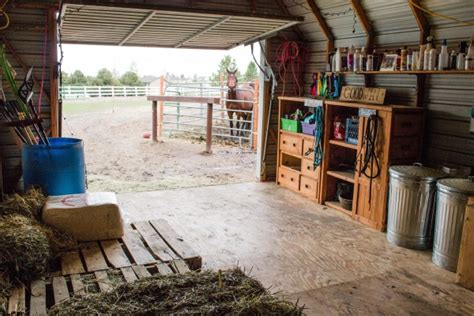 Horse Tack Giveaway 2017 - decluttering the barn getting a horse property ready for sale budget equestrian