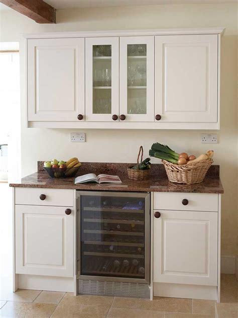 bespoke country kitchen housetohome co uk classic country kitchen design bath kitchen company