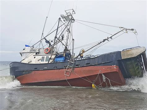 fishing boat jobs iceland crab fishing boat runs aground on rose spit haida gwaii