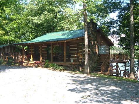 lakefront log home with homeaway southern comfort lakefront log home homeaway dandridge