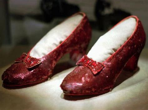 who stole the ruby slippers costumes from the wizard of oz the golden brick road
