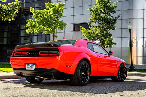 widebody hellcat first drive 2018 dodge challenger srt hellcat widebody