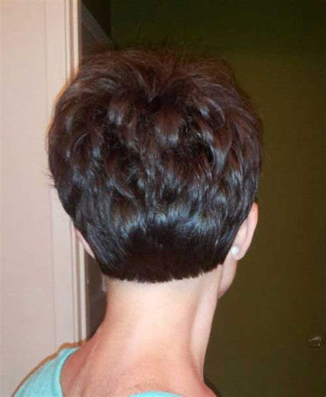 photos of the back of a haircut with a w neckline back view of miley cyrus short pixie hairstyle 2017