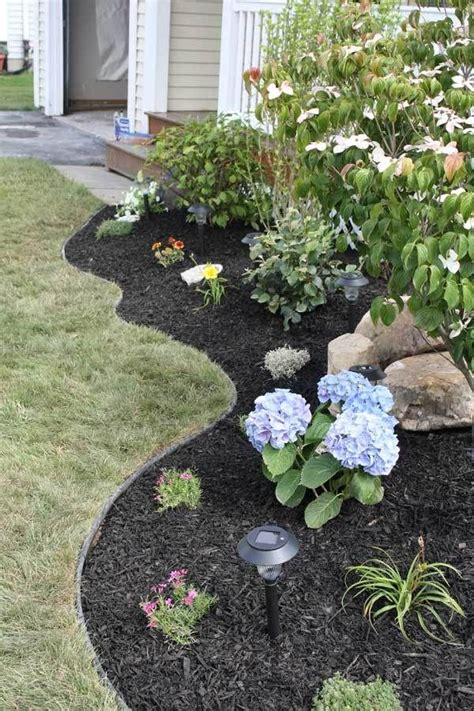 best mulch for flower beds best 25 black mulch ideas on pinterest