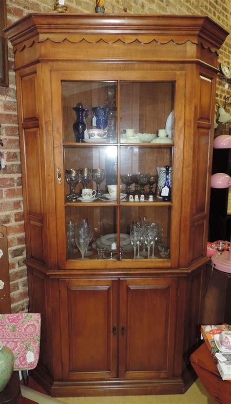 pennsylvania house china cabinet pennsylvania house wood corner china cabinet