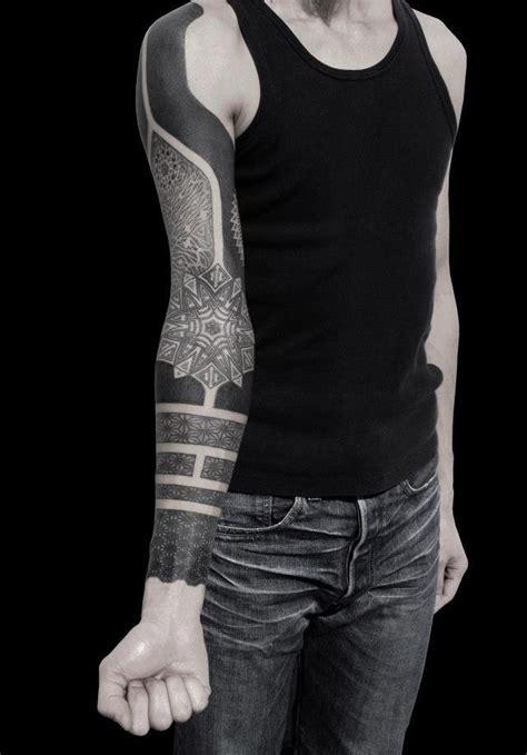 fractales et pointillisme les tatouages de kenji alucky