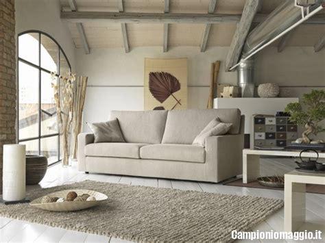 arredamenti aventino divani cioni di tessuto in omaggio cioni omaggio