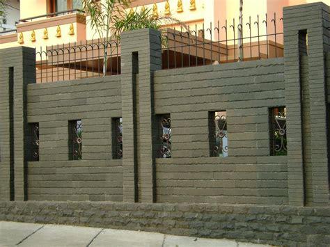 Lu Utama 4 Sisi gambar pagar rumah modern terbaru