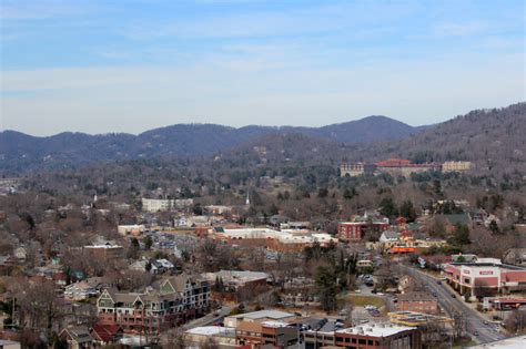 luxe asheville a different realty asheville s rental housing shortage eases mountain xpress