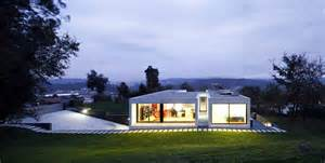 A simple yet elegant single family house in cambeses