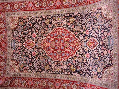 buying turkish rugs in turkey a sultan sized souvenir buying a turkish carpet the mad traveler