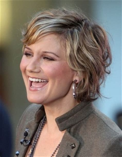 fun hairstyles for over 40 fun wavy short hair style hairstyles for women over 40