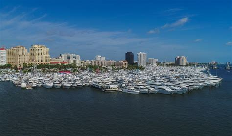 boat show west palm beach 2017 2017 palm beach boat show the horizon yachts experience