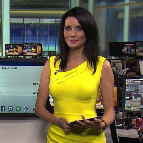 Top Yellow Sy natalie sawyer from skysports in highwood dress