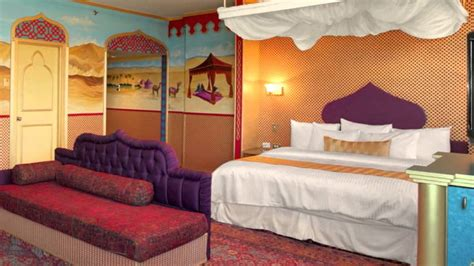 West Edmonton Mall Hotel Themed Rooms by Fantasyland Hotel At West Edmonton Mall 17700 87 Avenue Edmonton Hotel