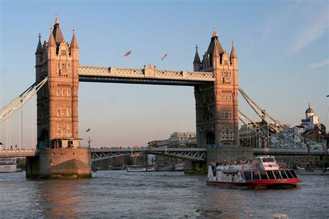 thames river cruise for 2 three course meal at a marco pierre white restaurant and