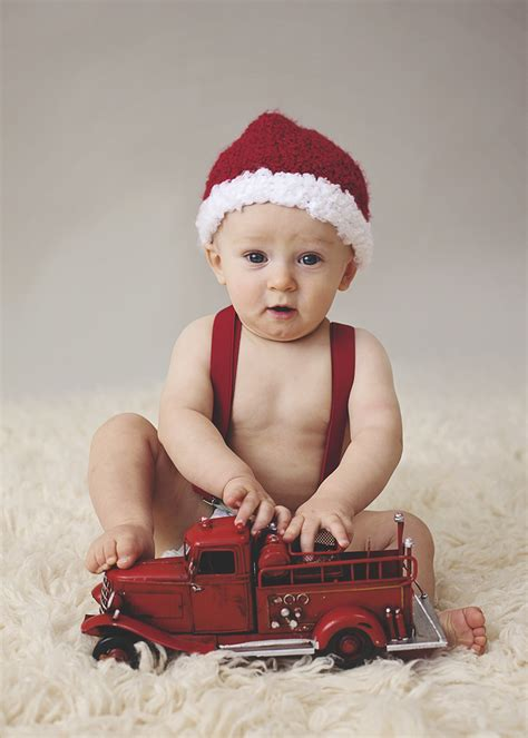 how to take baby frist christmas pictures baby s baby child photographer idaho