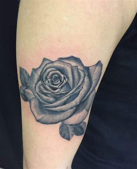 tatuaggi fiori di loto sul fianco 85 pin di loto sul fianco fiori tatuaggio floreale
