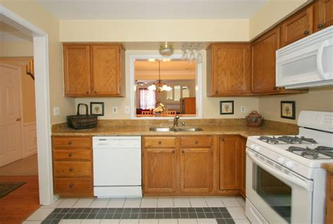 pictures of kitchens with white appliances kitchen decor kitchen with white appliances