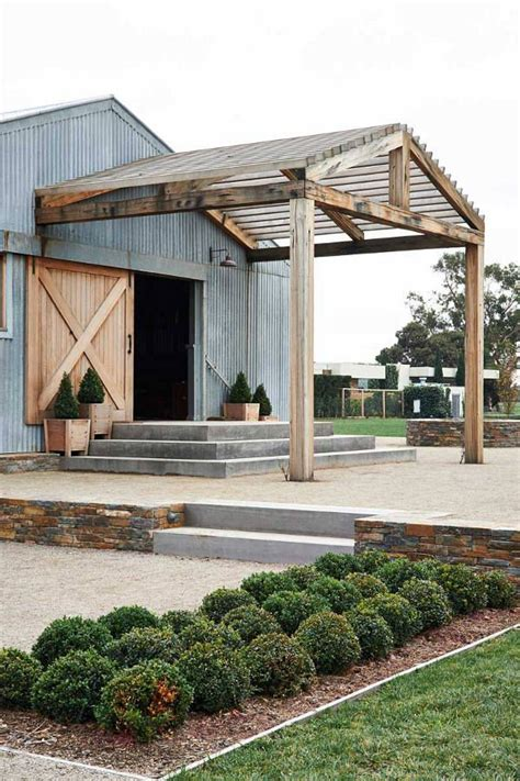 275 best images about barn home on pinterest 25 best ideas about modern farmhouse on pinterest