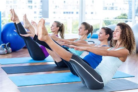 boat pose sit ups 7 exercises for a flat stomach realbuzz