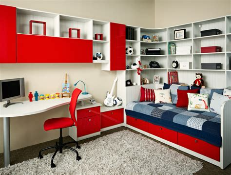 red bedroom for boys sailboat pictures in red white and blue colors