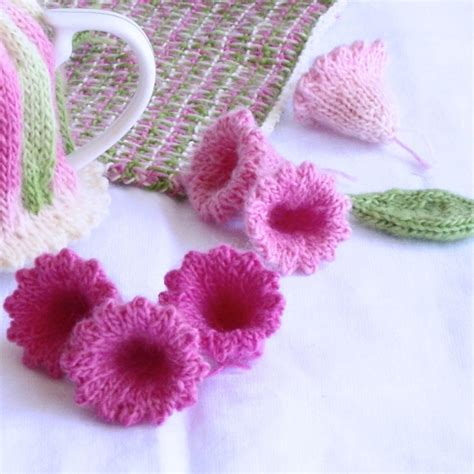 pattern knitted flowers home into craft