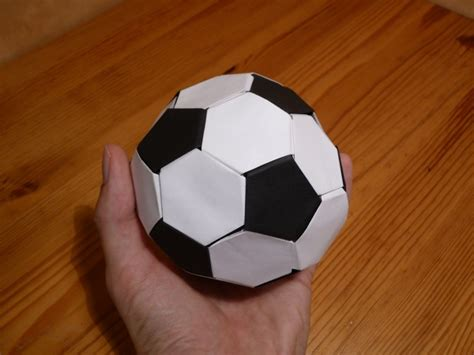 How To Make A Origami Soccer - origami maniacs origami soccer