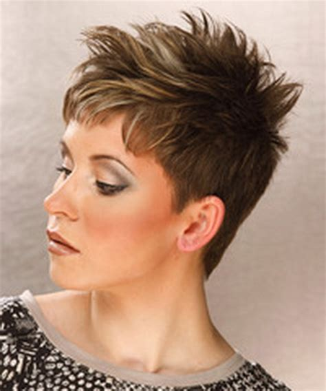 razor haircuts for women over 50 back view korte kapsels voor vrouwen boven de 50