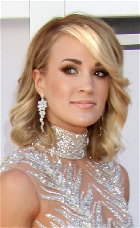 Carrie Underwood Hairstyle by Hairstyles 2017 Carrie Underwood S Angelic Medium Length