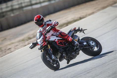 Motorrad Test Ducati Hypermotard by Testbericht Ducati Hypermotard 939 2016 Test 1000ps De